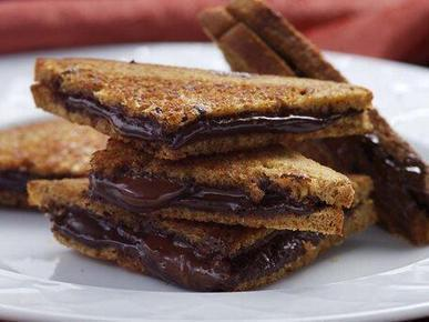 Twitter / MMMFoodPorn: Toasted Nutella sandwiches ... | helados con ingredientes | Scoop.it