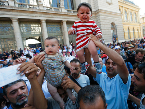 Hungary bans refugees from main railway station as hundreds attempt to ride Vienna train | Global politics | Scoop.it