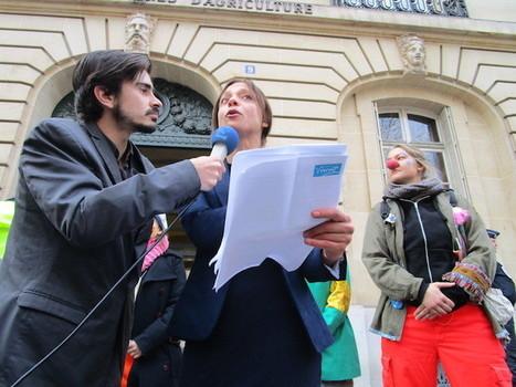 A Paris, la police interdit de rire - c'est vrai! | Libertés Numériques | Scoop.it