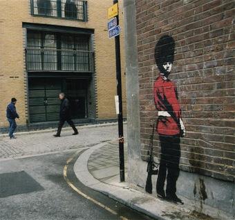 LoupDargent.info: History of Banksy Graffiti Art [Infographic] | Banksy - Street Artist | Scoop.it