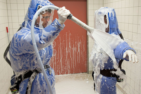IN PHOTOS: Ebola decontamination in Europe and Africa | Team Decon | Scoop.it