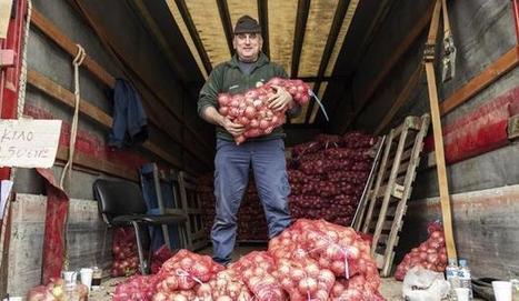 Grèce - « Le mouvement des pommes de terre » continue malgré l'interdiction | Shabba's news | Scoop.it