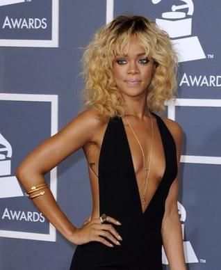 Rihanna incanta ai Grammy | FASHION & LIFESTYLE! | Scoop.it