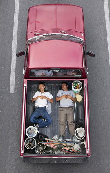 Car poolers | Photographer: Alejandro Cartagena | PHOTOGRAPHERS | Scoop.it