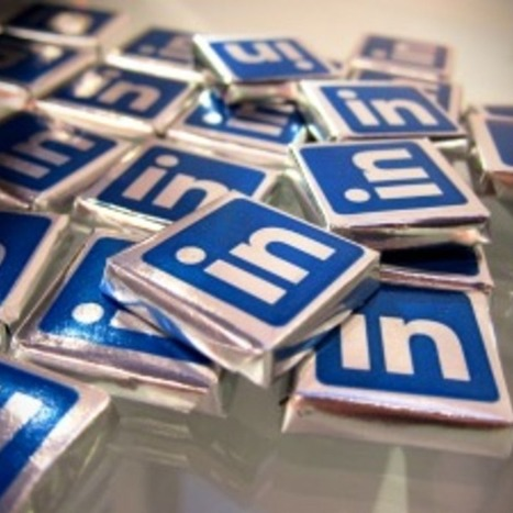 How Are People Really Using LinkedIn? [INFOGRAPHIC] | Top LinkedIn Tips | Scoop.it