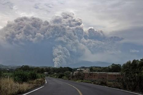 Mexique : des centaines de personnes évacuées après l'éruption du volcan Colima | The Blog's Revue by OlivierSC | Scoop.it