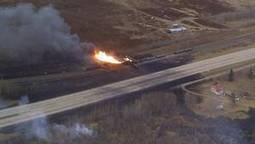 Alberta train derailment renews fears over moving oil by rail | Sustain Our Earth | Scoop.it