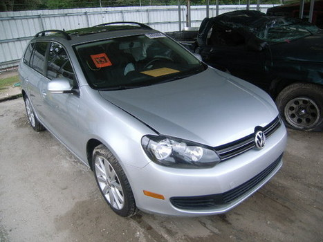 Salvage 2011 silver Volkswagen Jetta S/se with VIN 3VWPX7AJXBM617428 on auction | VEHICLES on Auction | Scoop.it