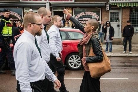 En Suède, le poing levé face aux néonazis : la photo qui fera date | Un peu de tout et de rien ... | Scoop.it