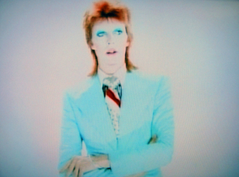 David Bowie Releases Vintage Videos of His Greatest Hits from the 1970s and 1980s | Music, Theatre, and Dance | Scoop.it