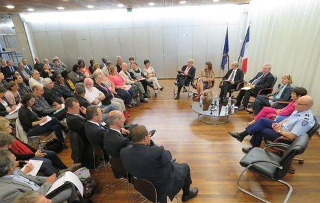Forges-les-Bains : une réunion pour apaiser les tensions autour du futur centre de migrants | Think outside the Box | Scoop.it