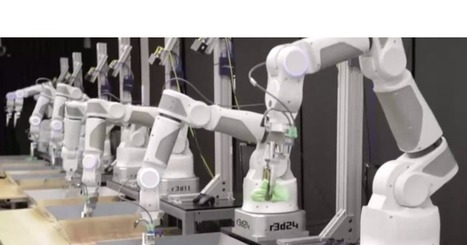 Google is using machine learning to teach robots intelligent reactive behaviors | Amazing Science | Scoop.it