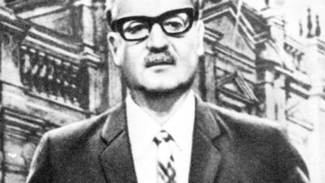 Remembering a chapter of Chile's history on Facebook's Virtual Library of Salvador Allende - Latina Lista: News from the Latino perspective | XX century Dictatorships Latin America | Scoop.it