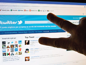 Twitter cambia look, più simile a Fb E Google Plus compra la app di foto | News of the Web | Scoop.it