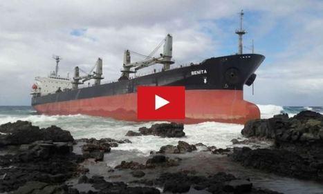 VIDEO - un cargo de 200m de long s'échoue à Maurice, suite à une bagarre à bord - ActuNautique.com | Ocean's news | Scoop.it