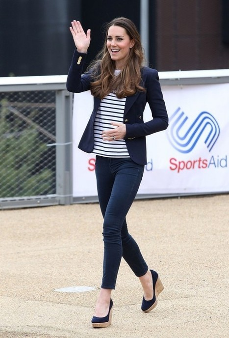 Kate Middleton wears Smythe and proves that even with heels on she can still play volleyball « fashionmagazine.com | trabalho de inglês | Scoop.it
