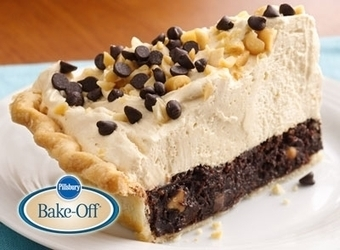 Mile-High Peanut Butter-Brownie Pie | The Man With The Golden Tongs Hands Are In The Oven | Scoop.it