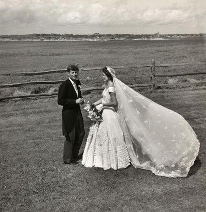 Tweet from @History_Pics | lovely girl | Scoop.it
