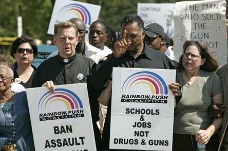 Solicitan  prohibición de armas automáticas | Masacres en centros educativos en EEUU | Scoop.it