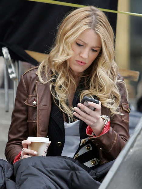 Five iPhone Apps To Complete Your Look  | Bangstyle | How to Use an iPhone Well | Scoop.it