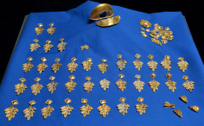 Amateur treasure hunter finds Roman gold hoard - The Local | Digital ancient history | Scoop.it