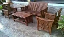 Simple Makeover Tips for Outdoor Wooden Furniture | Furniture News or Events | Scoop.it