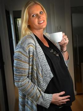 Pregnant women can safely drink two glasses of wine and four cups of coffee a day, says author (Aus)   Alcohol & other drug issues in the media   Scoop.it