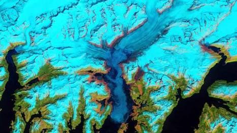 Image of the Day -  Brilliant Color Flows From Glacier   omnia mea mecum fero   Scoop.it