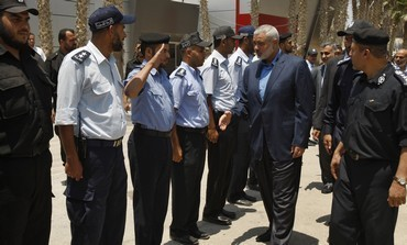 Shifting Egypt's stance, Mursi meets Hamas PM in Cairo | Kuffar News | Scoop.it
