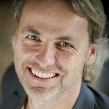 Boze John Ewbank zegt Koningslied terug te trekken   Feiten   Scoop.it