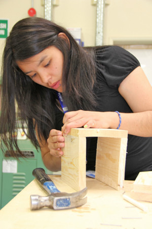 Students sample college experience #NWT's Aurora College has launched a new program to give high school students a taste of post-secondary life. | NWT News | Scoop.it
