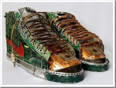 Circuit_Board_Sneakers_thumb.jpg (458x349 pixels) | reciclaje | Scoop.it