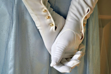 Vintage 1950s Extra Long White Evening Gloves with by TheRetroCat | Antiques & Vintage Collectibles | Scoop.it