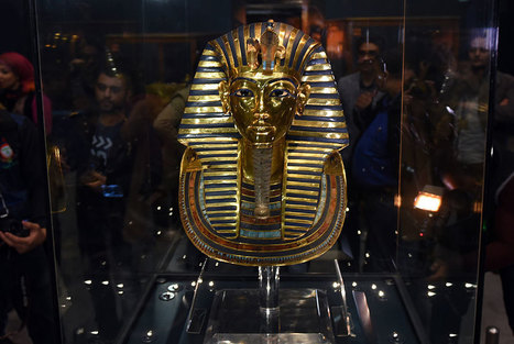 Egypt museum staff to face disciplinary hearing over botched repair of Tutankhamun mask | News in Conservation | Scoop.it