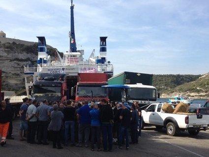 Pour mieux protéger la ligne vers la Sardaigne, le port de Bonifacio est bloqué | Hotel bonifacio | Scoop.it