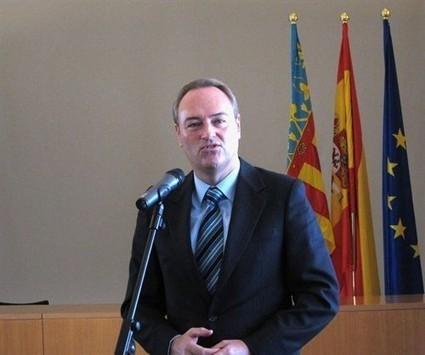 Fabra intenta parar otro escándalo de corrupción cesando al director general de Integración y Cooperación | Cooperando | Scoop.it