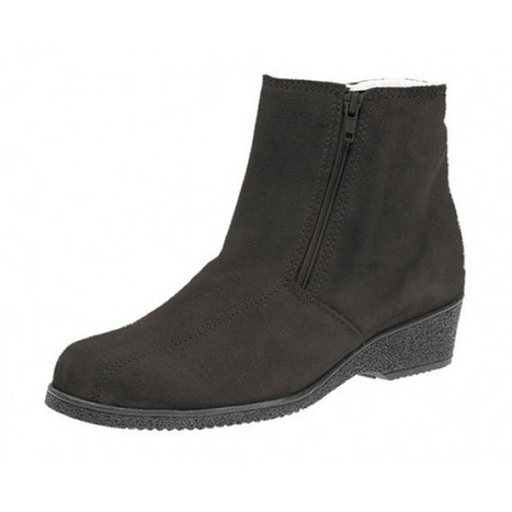 Where to Buy Shearling Boots in UK?   Sheepskin Slippers and Boots   Scoop.it