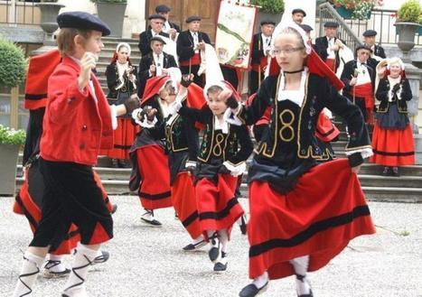 Bagnères-de-Luchon. Les Pyrénées fêtent leur folklore - LaDépêche.fr | Les Pyrénées | Scoop.it