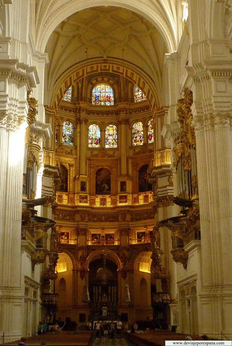 Catedral-de-Granada-interior-14.jpg (1070x1600 pixels)   Arquitectura Divina   Scoop.it