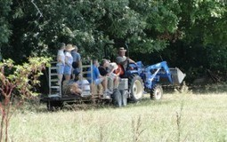Know Your Farms hosts fourth annual farm tour | Huntersville Herald | North Carolina Agriculture | Scoop.it