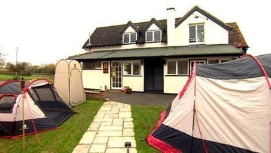Worcestershire pub offers tent sleepovers to drinkers | AngloCatalan Affairs | Scoop.it