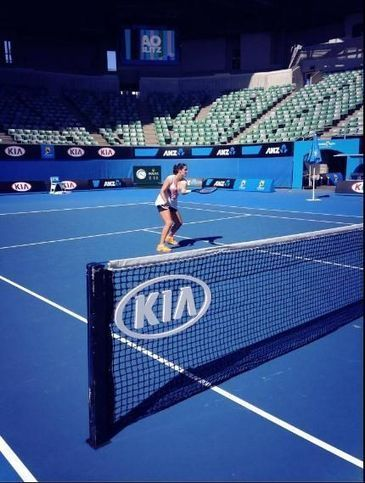 Melbourne practice season | Pictures of Laura Robson | Scoop.it