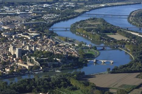 Voilà à quoi ressemblait le pont d'Avignon en 1550 | Just French it | Scoop.it