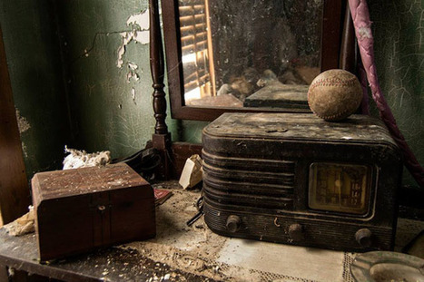 Urban Exploration Photographer Finds a Stash of Cash in an Abandoned House | xposing world of Photography & Design | Scoop.it