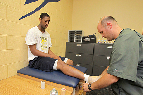 UT News » Blog Archive » UT athletic trainers keep Rockets in the ... | Athletic Training | Scoop.it