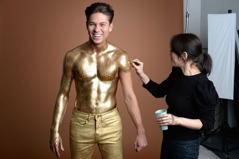 Going for gold! Joey Essex ditches his fake tan and cover himself in gold paint | Spray Tanning - Tips for running a successful spray tan business | Scoop.it