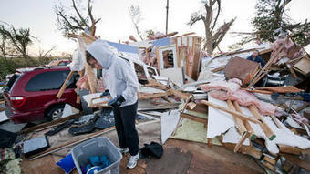 Great Plains hit with tornadoes, snow as severe weather slams U.S.   Sustain Our Earth   Scoop.it