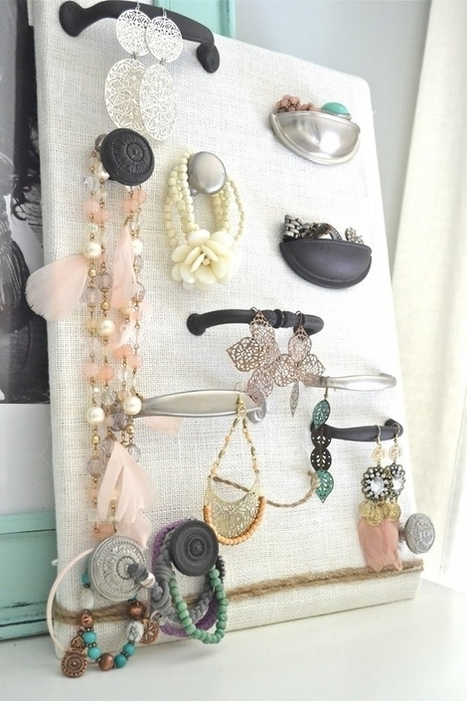 Make Your Own Cool Jewelry Display Organizing Ideas   Gioielli, che passione!!!   Scoop.it
