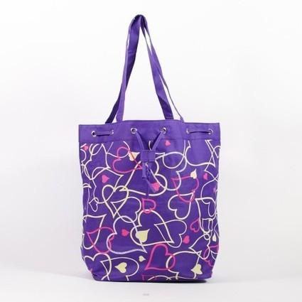 Grand sac de plage textile violet à coeurs roses   Accessoires de mode femme   Scoop.it
