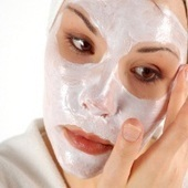 Top 13 Homemade Facial Masks For Dry Skin - How to Make Home Made Face Masks for Dry Skin | Ayushveda.com | Skin Care in the News | Scoop.it